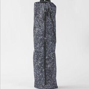 lululemon athletica Bags - Lululemon Reflective Yoga Bag